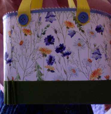 """SOLD Lisette Tote Blue Floral 7"""" x 6"""" x 3"""" $44.00"""