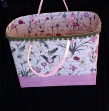 """SOLD Lisette Tote Pink Floral 7"""" x 6"""" x 3"""" $44.00"""