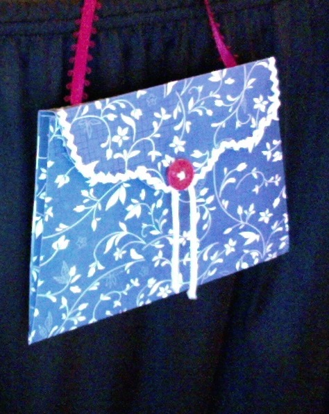 "Lilly Envelope Purse  Blue & White  5.5"" x 4"" x 1.25""         $10.00"
