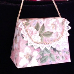 "SOLD Miranda Purse Pink Lillies 3.5"" x 2.5"" x 1.75"" $12.00"