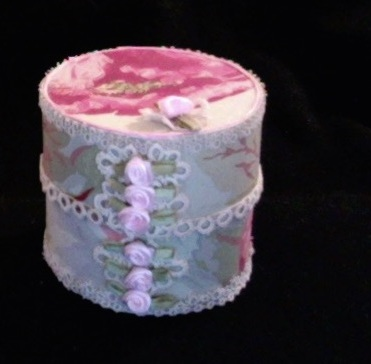 "SOLD Small Trinket Box 3.25"" diameter x 3"" high $25.00"