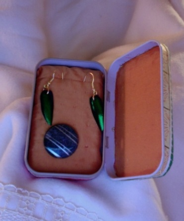 SOLD Travel Earring Box 3.75″ x 2.25″ x 1″ $20.00