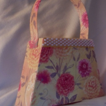 "Bella Purse Yellow Floral 7"" x 4.5"" x 2"" $35.00"